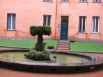 Apt 1: Courtyard